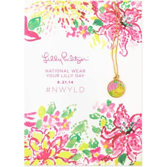 Lilly Pulitzer Disc Necklace
